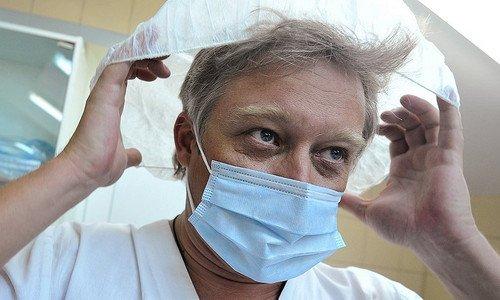 доктор Сергеев за работой