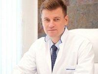Как выбрать грудные импланты и не ошибиться: ликбез от доктора Бакова