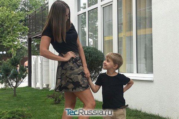 Анна Еремина с сыном