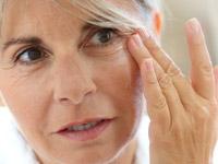 В каком возрасте делать подтяжку лица и на сколько хватает результата операции